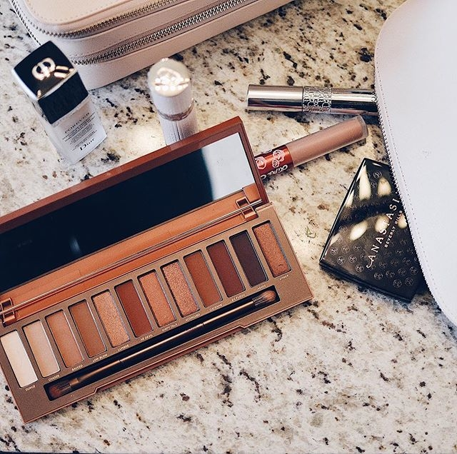 Shop the latest @uneditedglow in Urban Decay, Urban Decay Naked Heat Palette