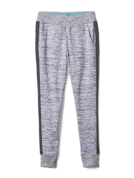 The can't-believe-it soft jogger that's perfect after practice.