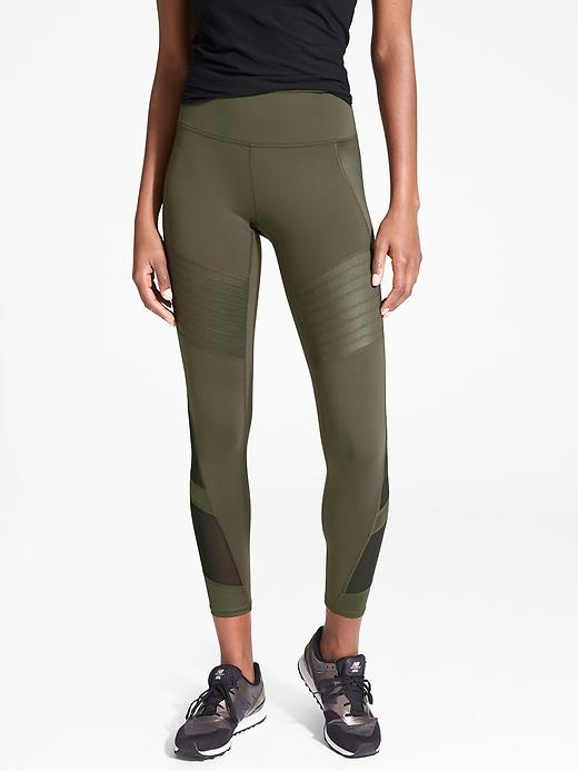Moto-inspired style meets mesh ventilation in these faux-leather leggings with a high-rise fit and our favorite streamlining Power Pilayo fabric right where you want it your backside to support your every move.