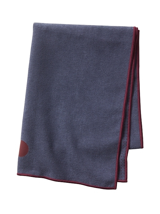 When the room heats up and your vinyasa is in full flow, lay this towel from Yogitoes over your mat to keep yourself from slipping.