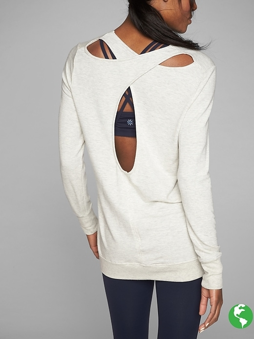 This super-cozy sweatshirt with a cutout back detail is made from our beyond-soft, perfectly draping Nirvana fabric to be the go-to layer for your fall lifestyle.