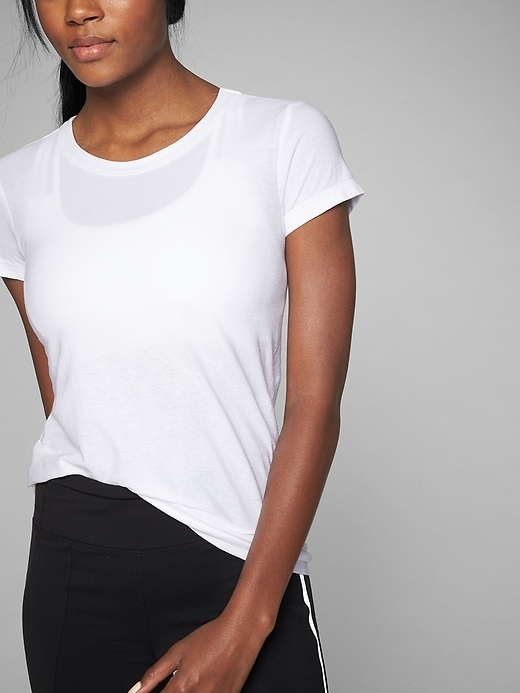 This easy-fitting tee is oh-so-soft and light, with seamless, chafe-free construction  and breathable organic cotton (we have your back, planet).