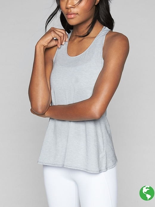 This is our favorite new support tank for fall practice because it has the chic, tulip back detail we love in an easy, relaxed fit, plus wicking, Unstinkable performance.