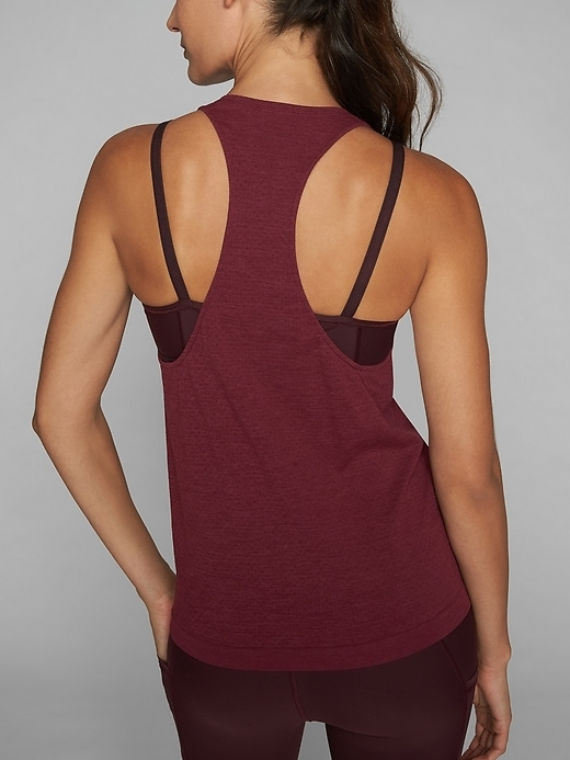 This relaxed-fit, racerback tank is designed for mobility and features our Unstinkable technology, so you can wear it more and wash it less.