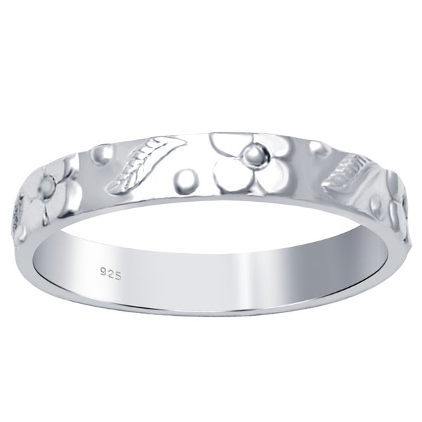 Create beautiful memories with this essence jewelry everyday filigree floral and leaf band ring . Ring Weight is 1.95 Grams.        Jewelry Type: Fine   Ring Style: Bands   Jewelry Finish: High Polish   Metal Color: White   Metal: Sterling Silver   Exact Color: Silver   Gender: Women's   Size: 7, 6, 9, 8           Click here for ring sizing guide        All measurements are approximate and may vary slightly from the listed dimensions.     Click here for help finding your ring size.