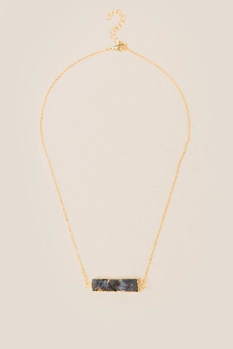 The Akela Druzy Rectangle Pendant is the perfect necklace to kick off your own unique layered necklace or is perfect itself!
