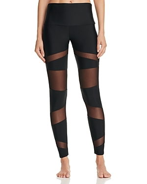 Functional, flexible and flattering, Onzie's yoga-ready leggings lead the pack in a sleek silhouette with breathable mesh panels.