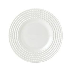 Decorated on the perimeter with a twist design that's reminiscent of nautical ropes, this party plate offers simple elegance and modern appeal for all your presentations.