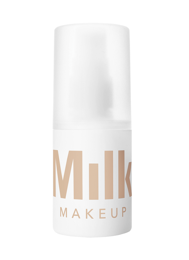 Pore Blurring Minimizes the appearance of pores, fine lines, and imperfections using blurring microsphere technology. Matte Finish Cuts shine and mattifies skin, leaving a flawless soft focus effect. Staying Power Goes on clear to prolong the wear of makeup throughout the day.