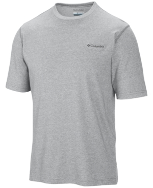 A technical T-shirt with a rich, natural feel, this Thistledown Park performance T-shirt shirt from Columbia helps wick moisture away from your body to keep you dry and comfortable, and helps shade your skin from the sun with built-in Upf 15.