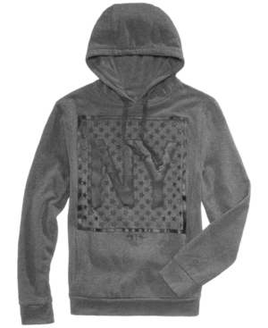 Highlighted by a Ny star graphic at the front, this drawstring cotton hoodie from Ring of Fire has just the right amount of intensity to stand out.